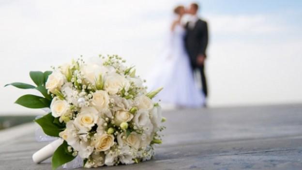 menos bodas portada