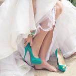 ¿Qué zapatos hay debajo del vestido de novia?
